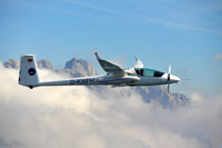 Testflüge in den Alpen: Das Forschungsflugzeug mit MACS-Himalaya Luftbildkamerasystem
