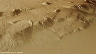 Perspektivische Ansicht des Steilhangs am Olympus Mons