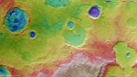Farbkodierte topographische Karte des Nordens von Hesperia Planum