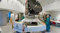 Ingenieurmodell der Rosettasonde im Reinraum