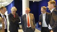 Landrat Piepenburg und MdL Claus Schmiedel im DLR%2dForum für Raumfahrtantriebe