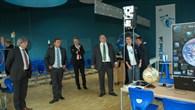 Vorführung einiger Experimente im DLR_School_Lab Neustrelitz