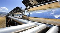 Parabolspiegel einer Versuchsanlage in Almeria