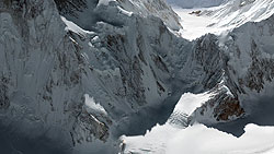 Nordpfeiler des K2 (Quelle: DLR.)