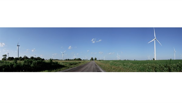 Wind_farm_by_yimmyMerkaba.jpg