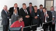 Auf dem Eröffnungsrundgang mit dem Mecklenburg%2dVorpommerschen Wirtschaftsminister Harry Glawe