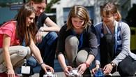 Wissenschaft hautnah erleben %2d Girls' Day 2014 beim DLR Stuttgart