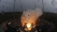 """Zum ersten Mal hebt am 21. Oktober 2011 eine russische Sojus%2dRakete von Europas Weltraumbahnhof in Französisch%2dGuyana ab. Mit an Bord: Die ersten beiden Galileo%2dSatelliten zur """"In Orbit Validation"""" des neuen europäischen Navigationssystems."""
