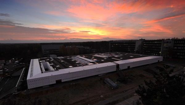 Die Forschungsanlage :envihab: Zur Anlage gehören unter anderem eine Zentrifuge, ein Schlaflabor, ein MRT%2dGerät sowie eine Druckkammer. (Bild: DLR)