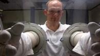 Alexander Gerst trainiert Experimente